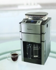 Capresso_CoffeeTEAM PRO_Glass_Lifestyle_300dpi
